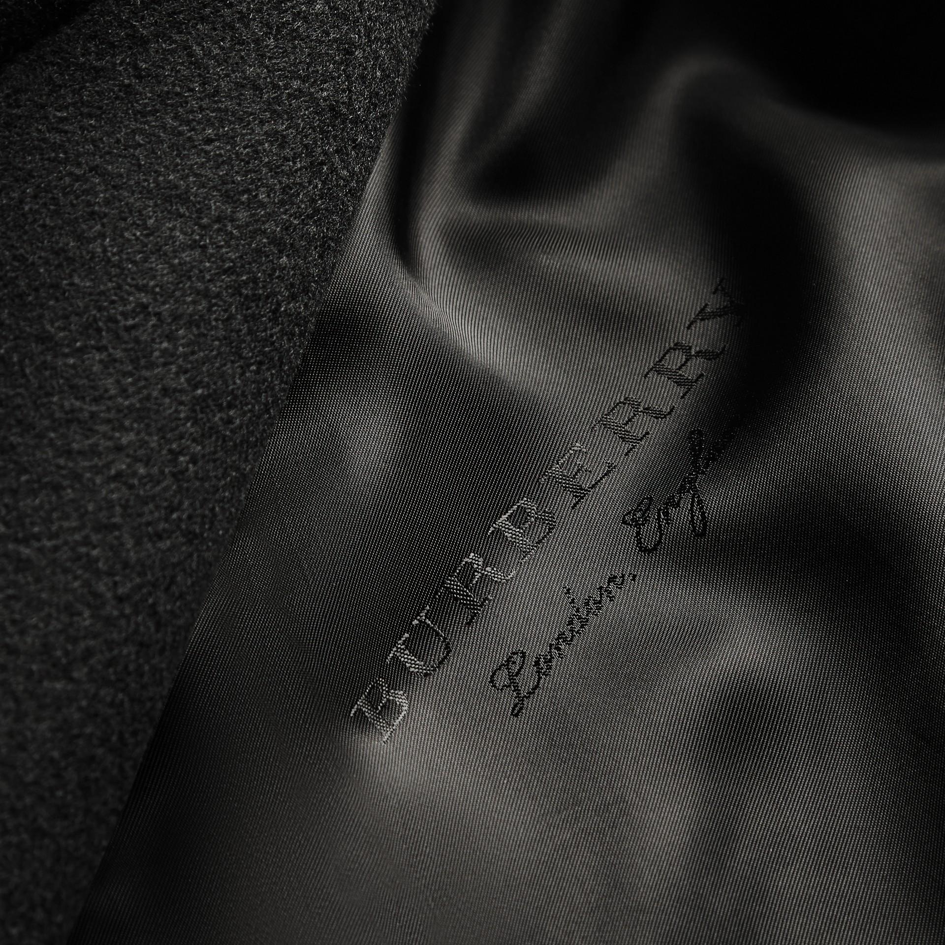 Noir Manteau en laine avec manches bouffantes - photo de la galerie 2