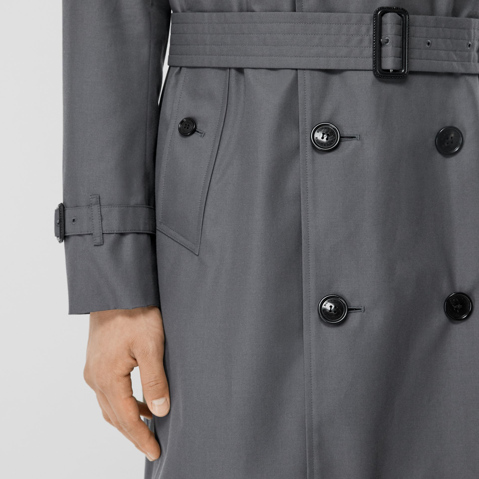The Chelsea Heritage Trench Coat in Mid Grey - Men | Burberry United Kingdom - gallery image 4