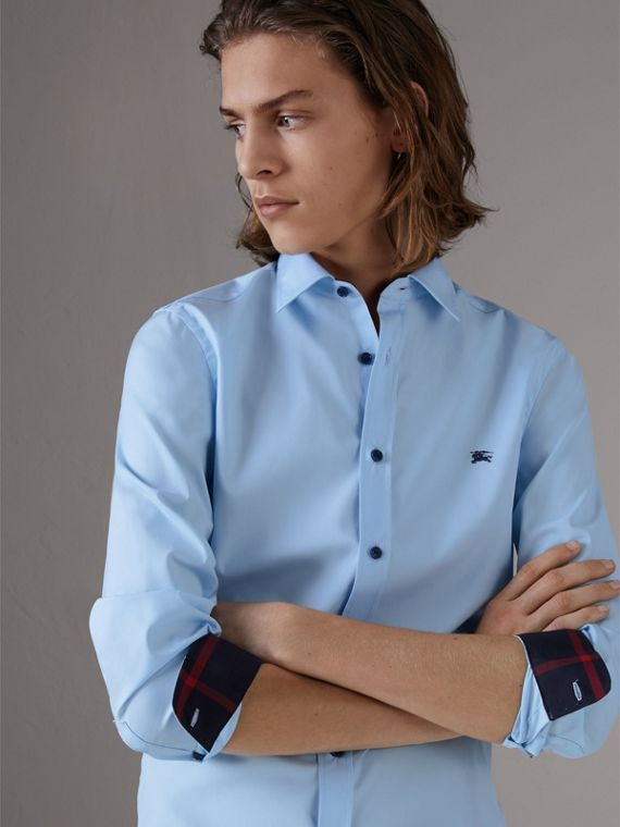 Resin Button Cotton Poplin Shirt in Pale Blue