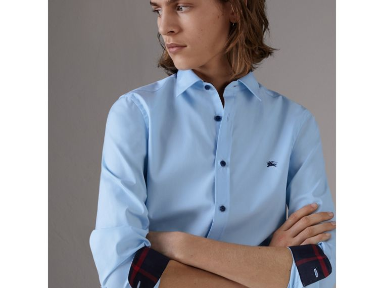 Resin Button Cotton Poplin Shirt in Pale Blue - Men | Burberry - cell image 4