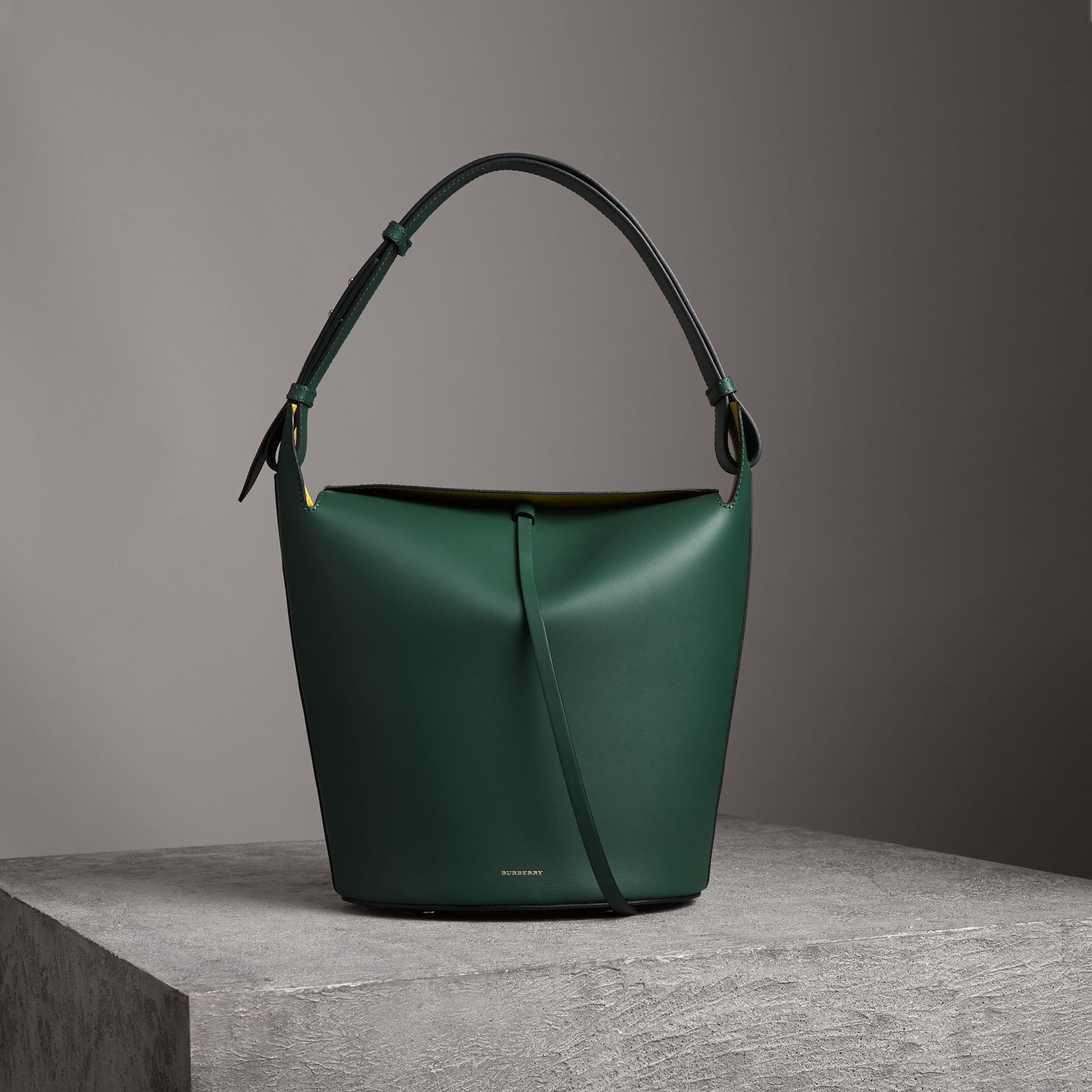 The Large Leather Bucket Bag in Viridian Green - Women | Burberry - gallery image 0