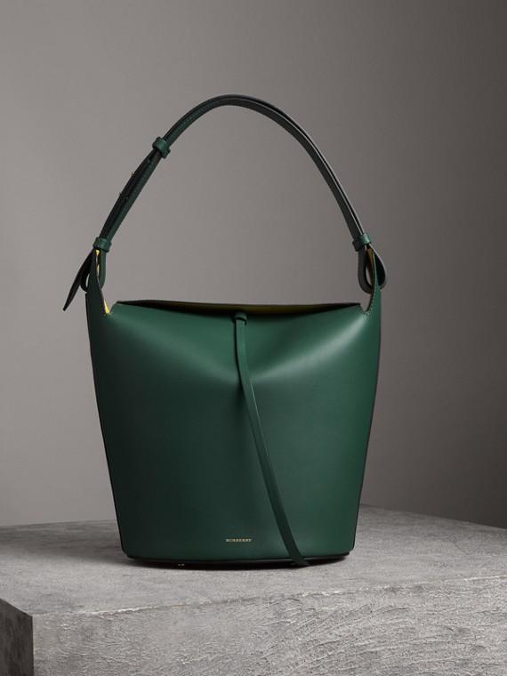 Grand sac BurberryBucket en cuir (Vert Lumière)