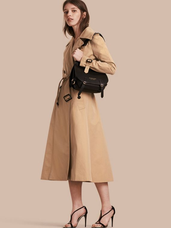 Trench coat svasato in gabardine di cotone