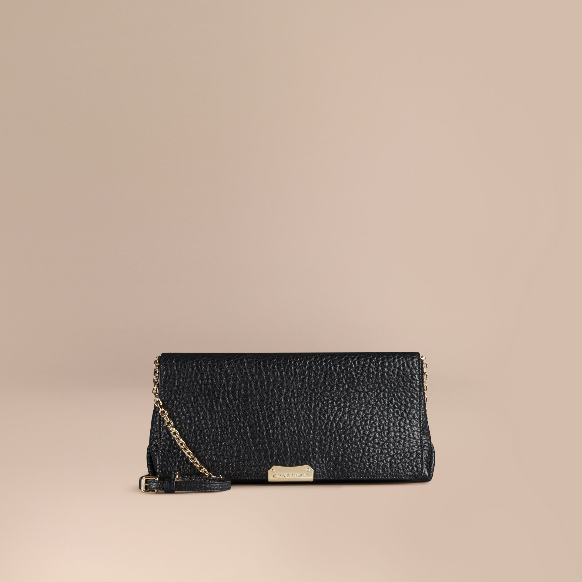 Black Medium Signature Grain Leather Clutch Bag - gallery image 7