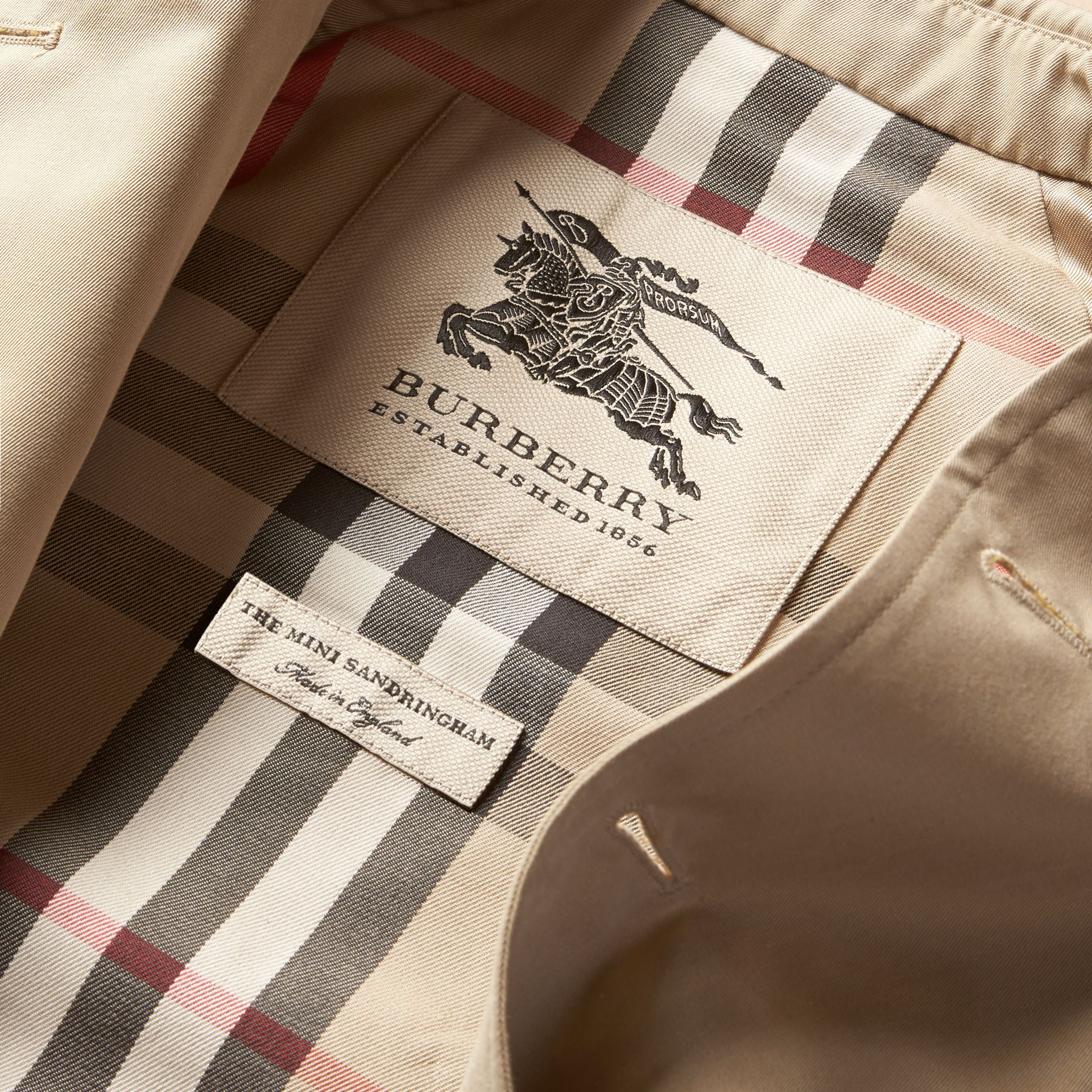 The Sandringham – Heritage Trench Coat in Stone - Girl | Burberry - gallery image 8