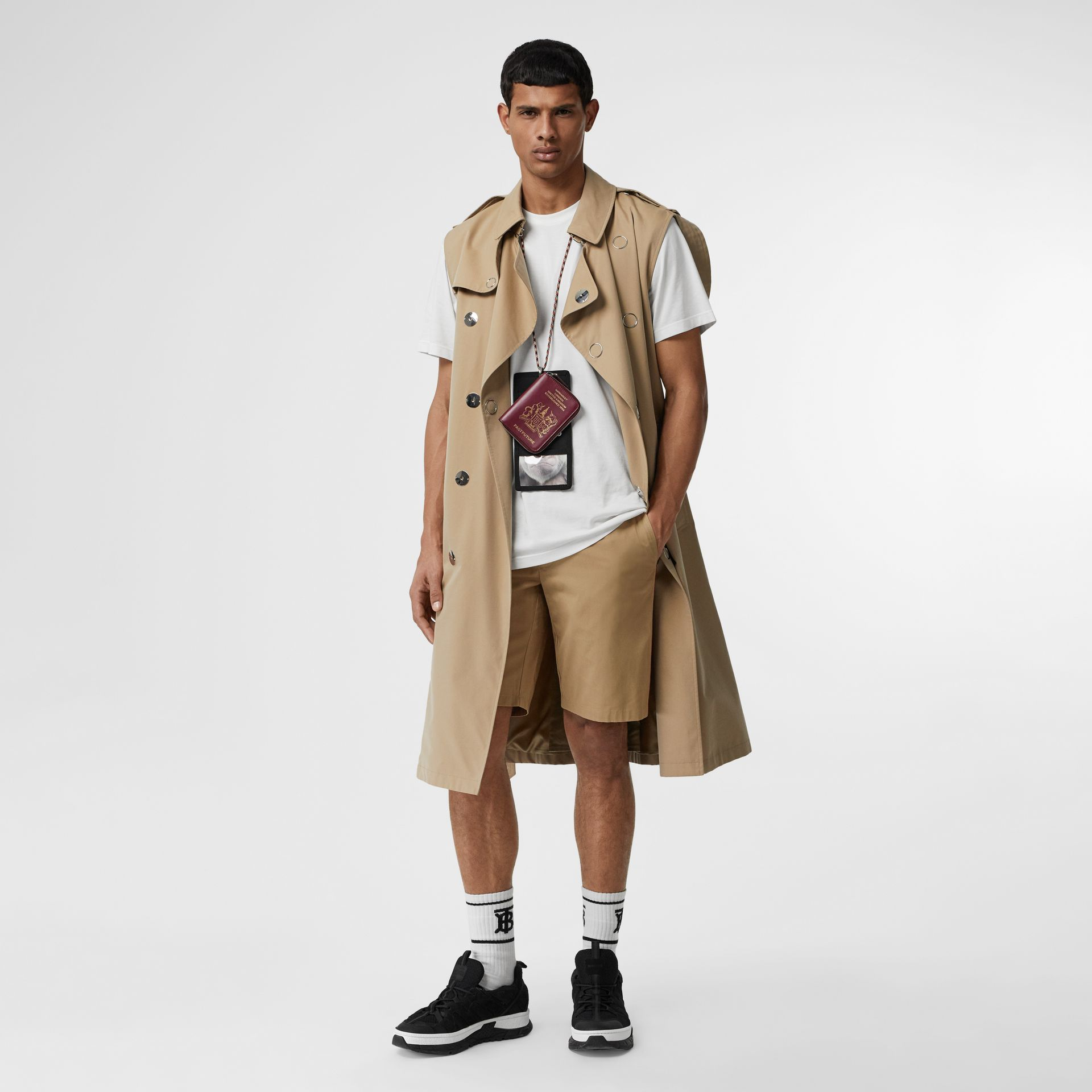 Icon Stripe Detail Cotton Twill Chino Shorts in Honey - Men | Burberry United Kingdom - gallery image 0