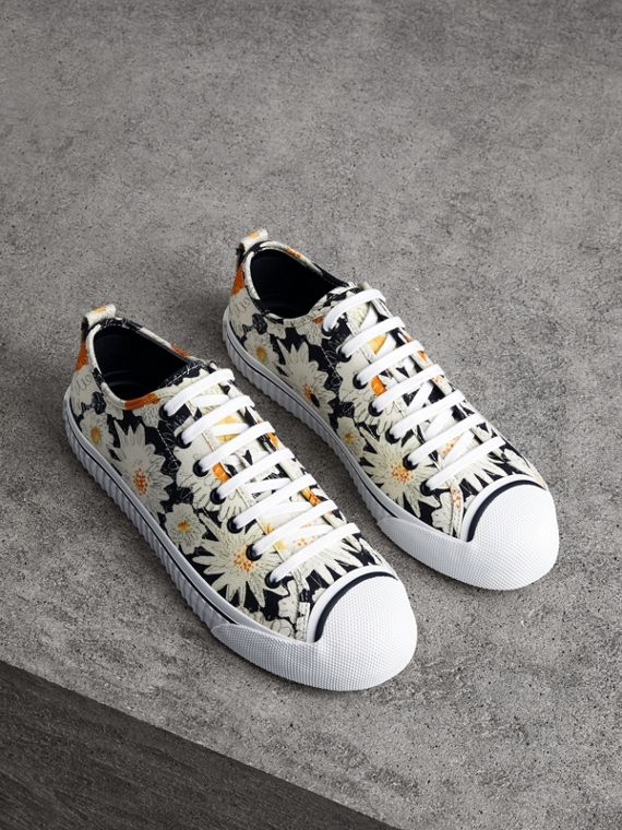 Daisy Print Cotton Canvas Sneakers in Black