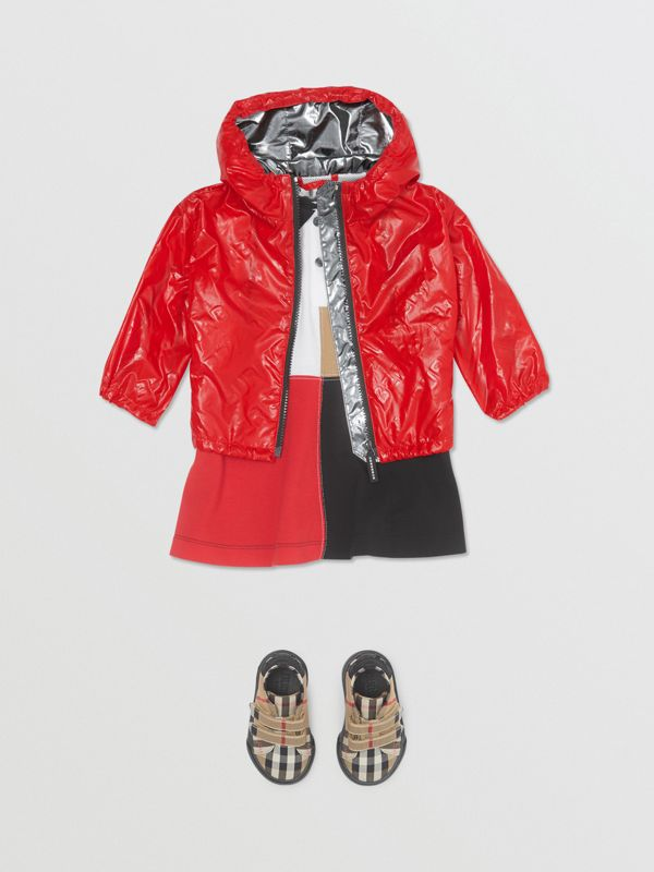 Logo Print Lightweight Hooded Jacket in Bright Red - Children | Burberry United States - cell image 2