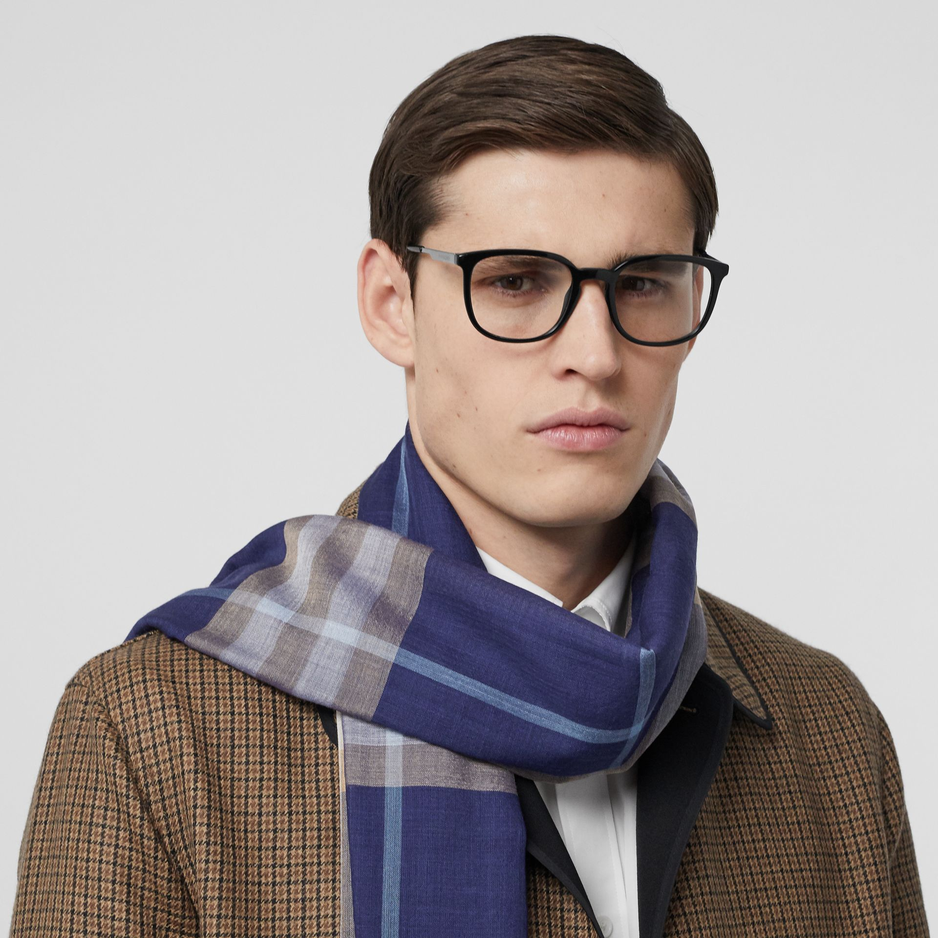 Lightweight Check Wool Silk Scarf in Inky Blue | Burberry - gallery image 3