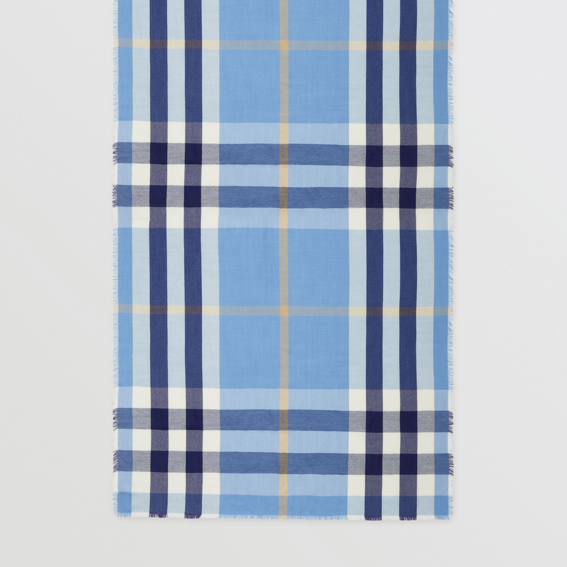 Lightweight Check Cashmere Scarf in English Bluebell | Burberry Hong Kong S.A.R - gallery image 3