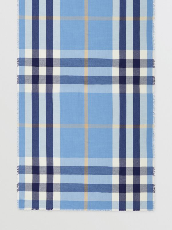 Lightweight Check Cashmere Scarf in English Bluebell | Burberry Hong Kong S.A.R - cell image 3