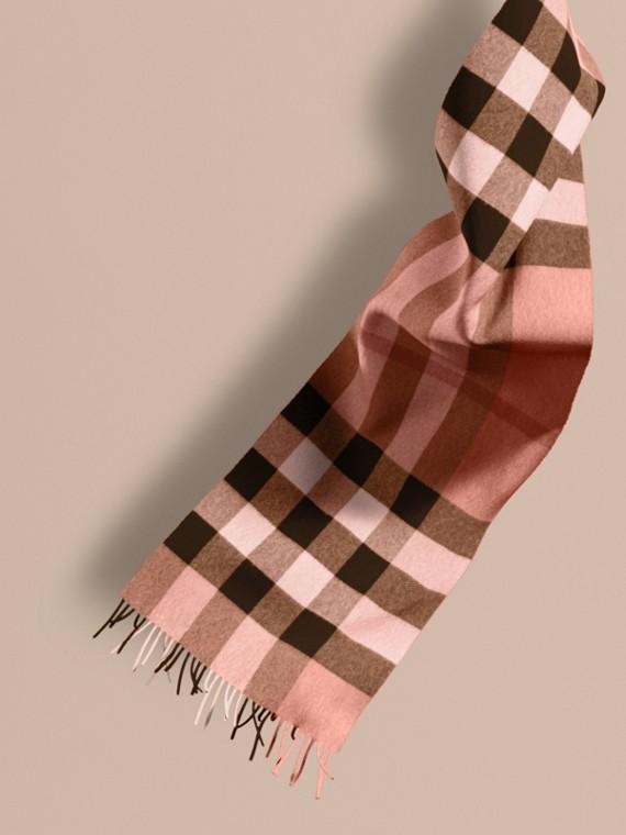 La grande écharpe classique en cachemire à motif check Rose Cendré