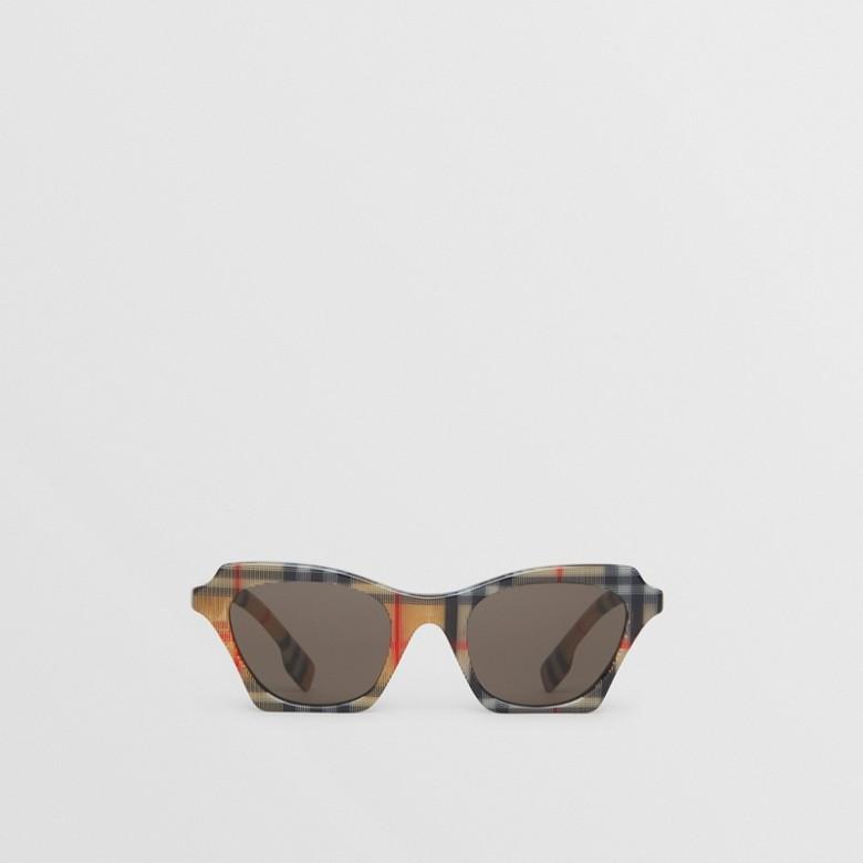 Burberry - Lunettes de soleil papillon à motif Vintage check - 1