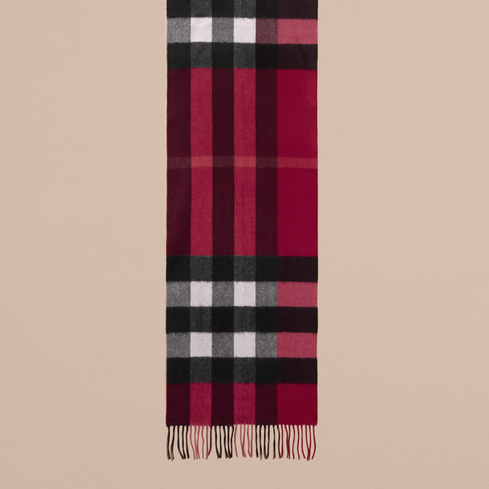 The Large Classic Cashmere Scarf in Check in Plum | Burberry United States - gallery image 1