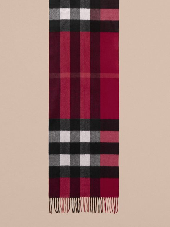 The Large Classic Cashmere Scarf in Check in Plum | Burberry United States - cell image 1