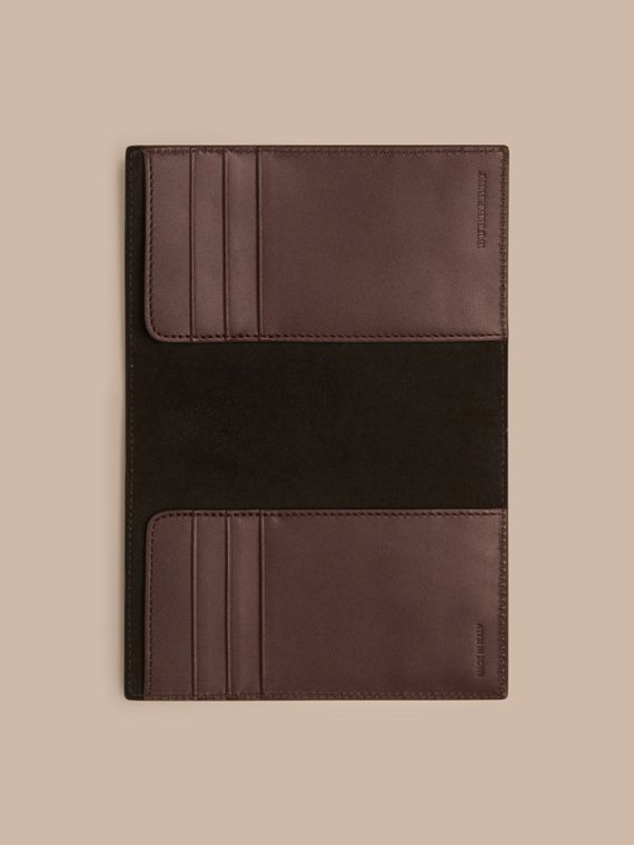Wine London Leather Passport Cover Wine - cell image 3