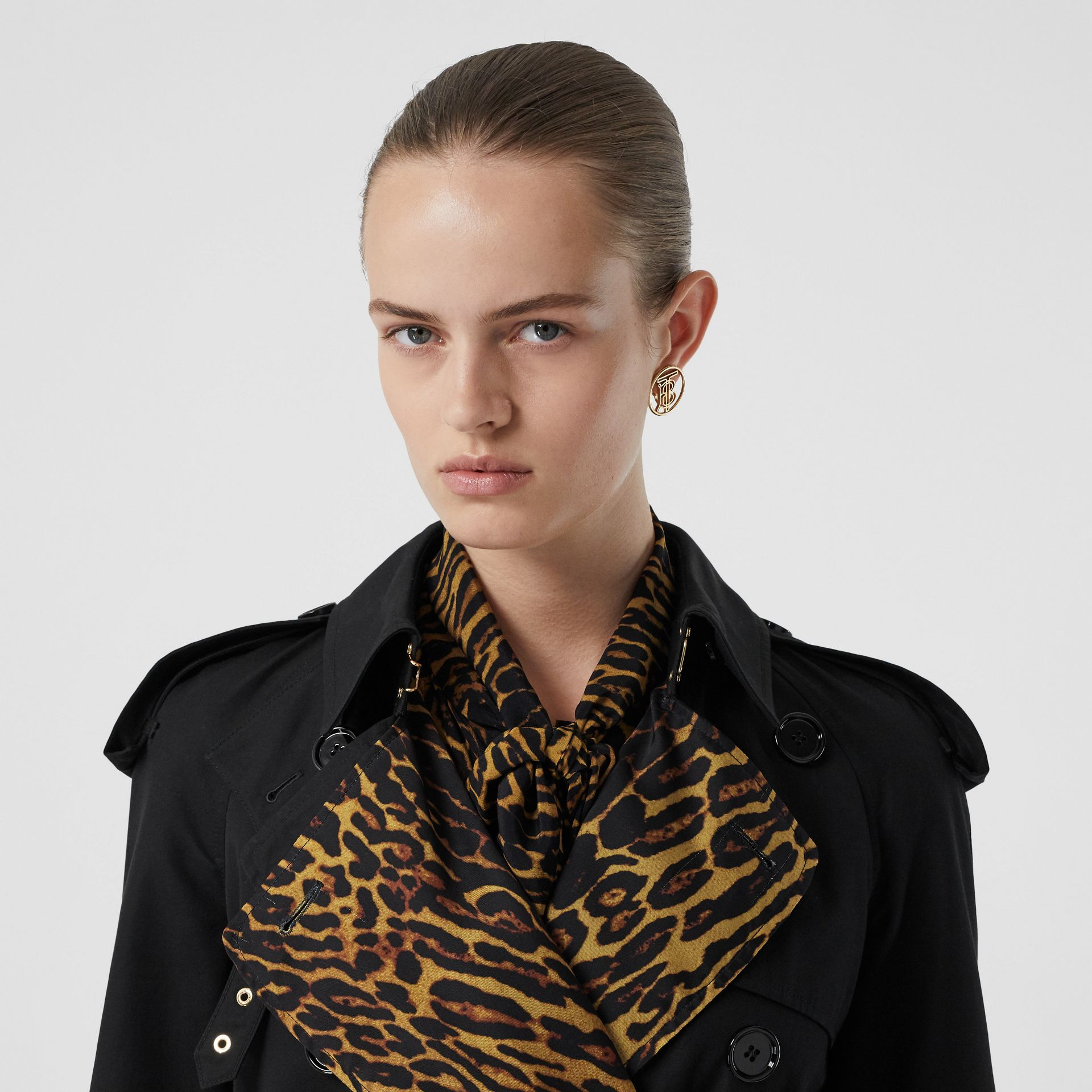 Leopard Print-lined Cotton Gabardine Trench Coat in Black - Women | Burberry Singapore - gallery image 1