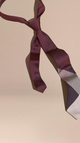 Cravate moderne en soie et jacquard à motif check