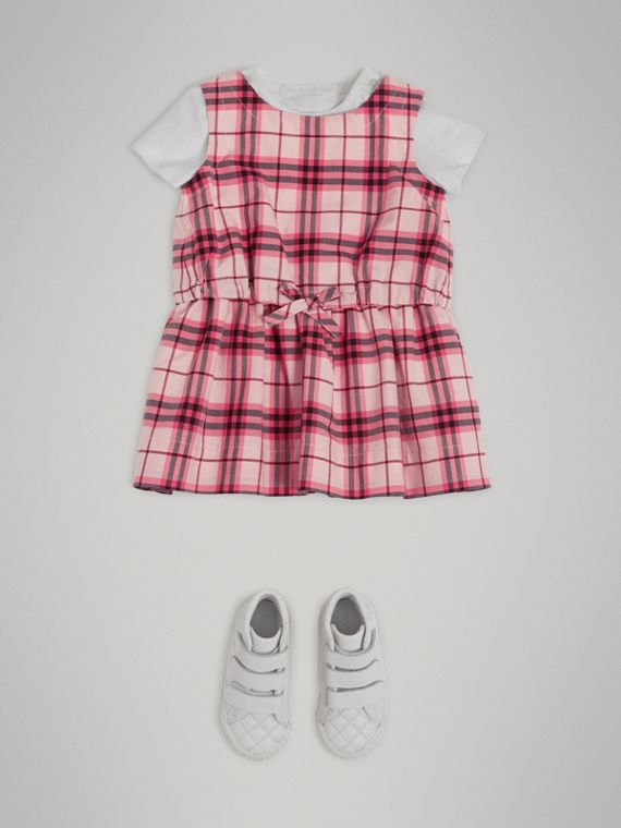 Robe en coton à motif check et fronces (Rose Vif)