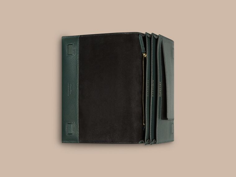 Grainy Leather Travel Wallet Dark Forest Green - cell image 2