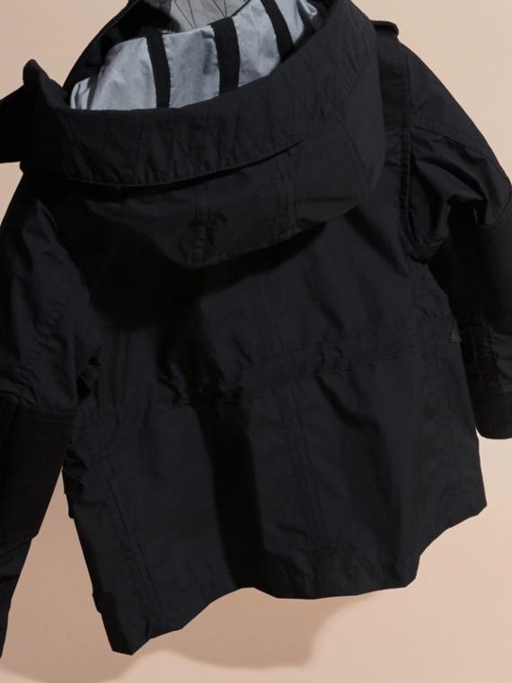 Schwarz Jacke aus technischer Faser mit abnehmbarer Kapuze - cell image 3