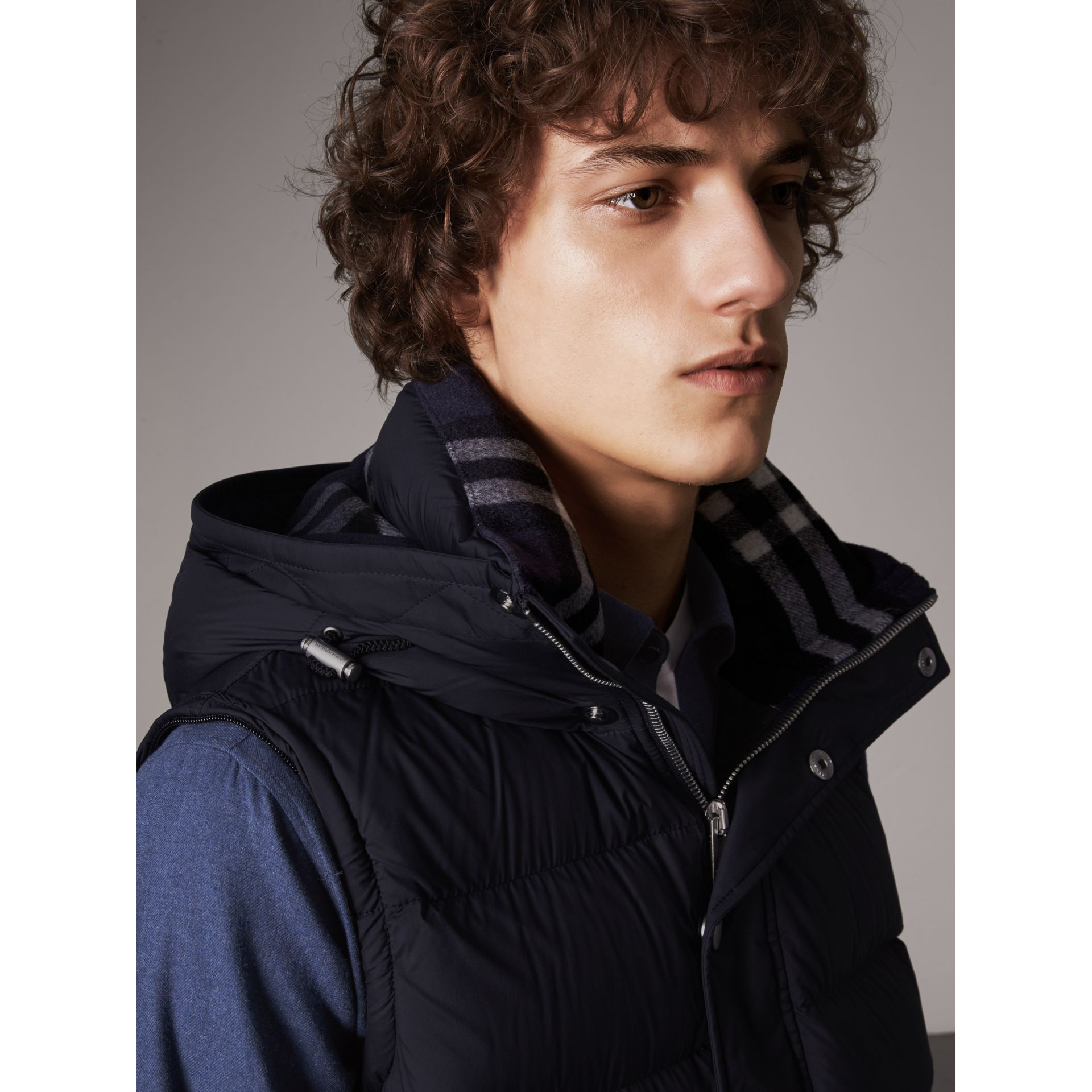 Detachable-sleeve Down-filled Puffer Jacket in Navy - Men | Burberry Singapore - gallery image 5