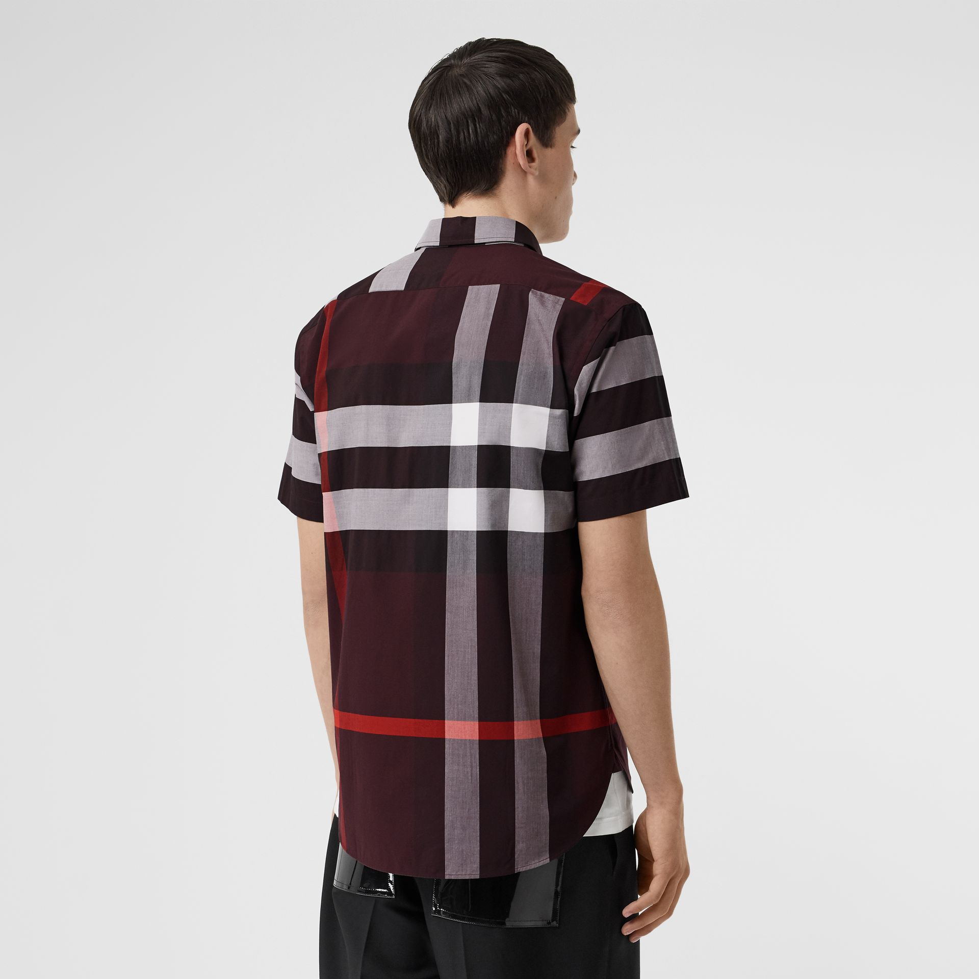 Short-sleeve Check Stretch Cotton Shirt in Deep Claret - Men | Burberry - gallery image 2