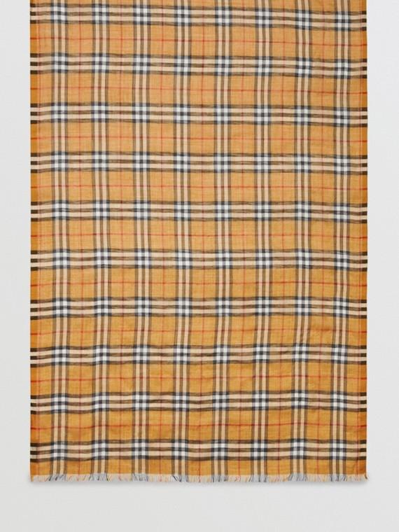 Sciarpa leggera in lana e seta con motivo Vintage check (Giallo Antico)