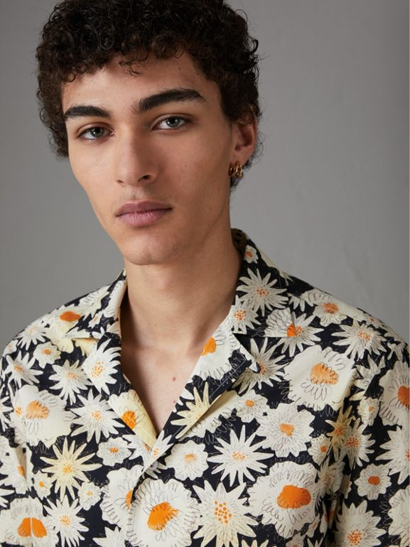 Short-sleeve Daisy Print Cotton Utility Shirt in Black - Men | Burberry Singapore - cell image 1