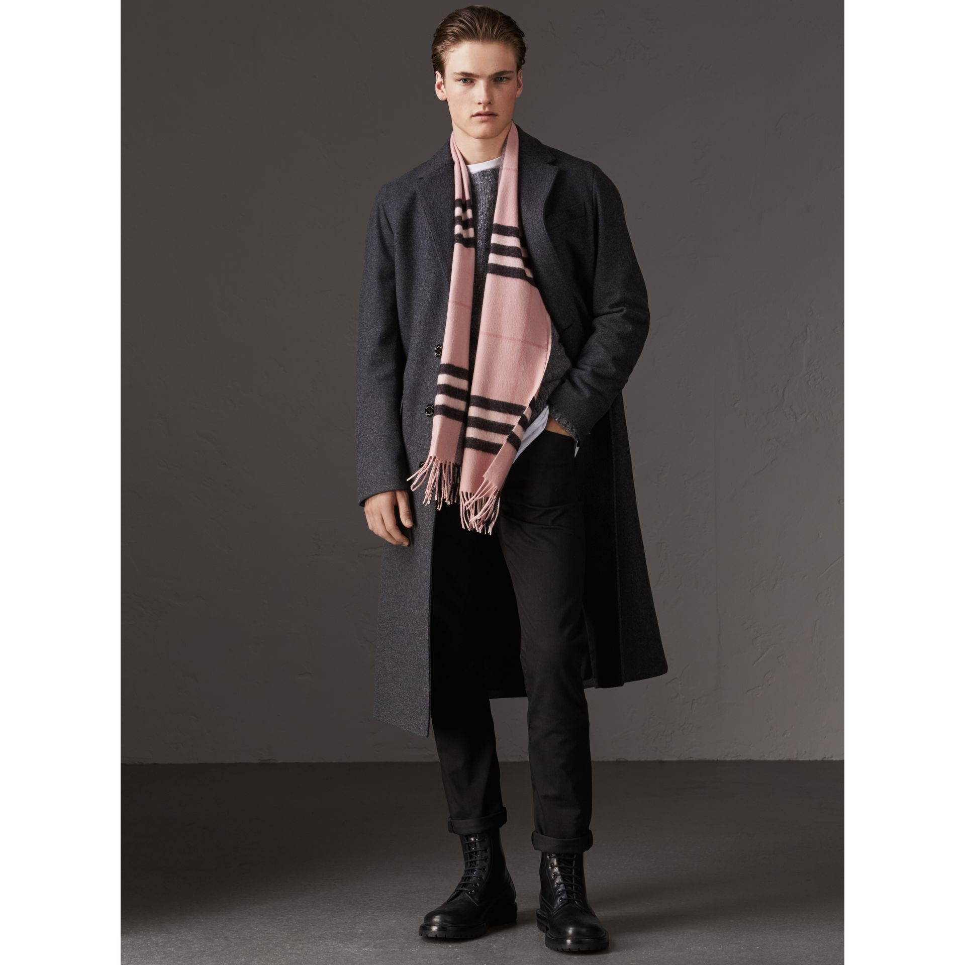 The Classic Check Cashmere Scarf in Ash Rose | Burberry United Kingdom - gallery image 3