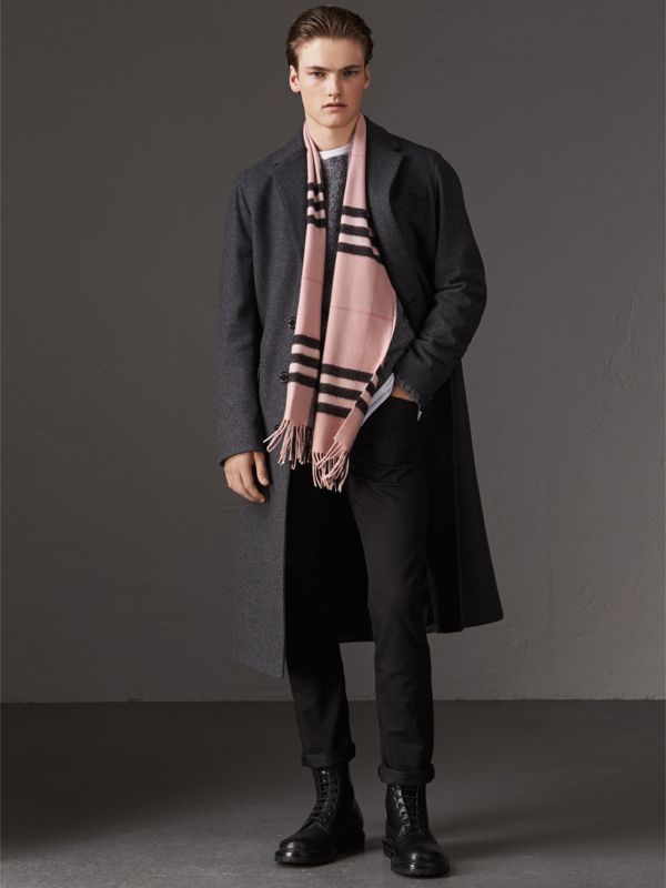 The Classic Check Cashmere Scarf in Ash Rose | Burberry Canada - cell image 3