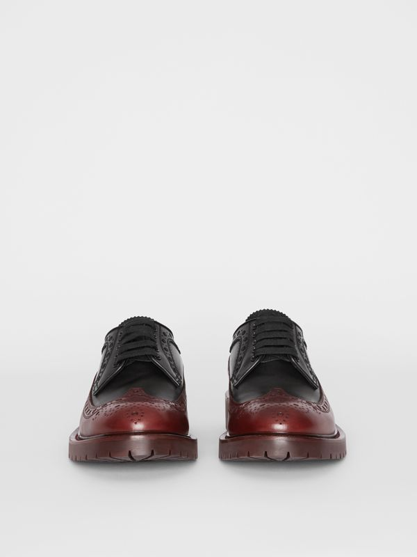 Brogue Detail Leather Derby Shoes in Black/antique Garnet - Men | Burberry Singapore - cell image 3