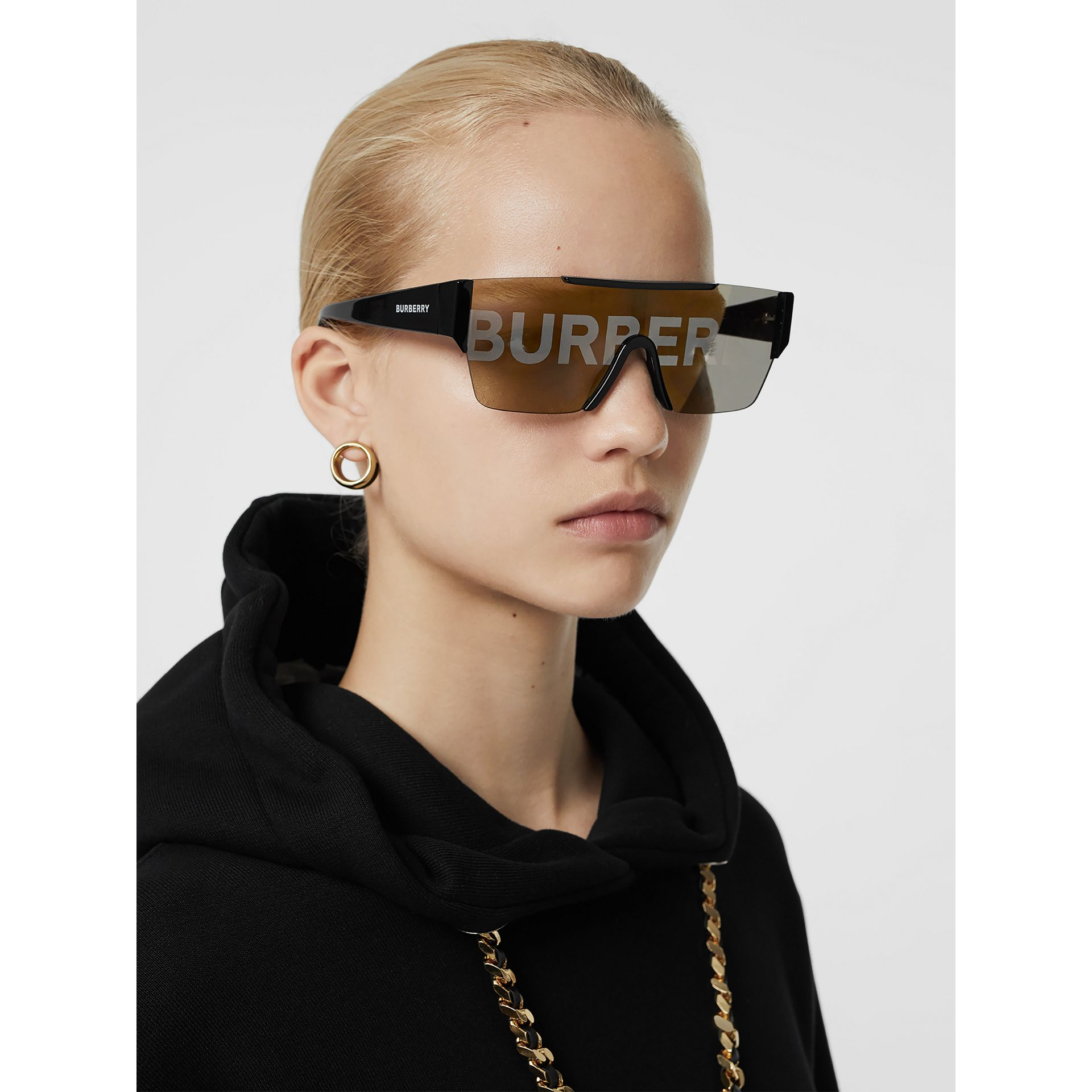 Logo Lens D-frame Sunglasses in Black - Women | Burberry United Kingdom - gallery image 2