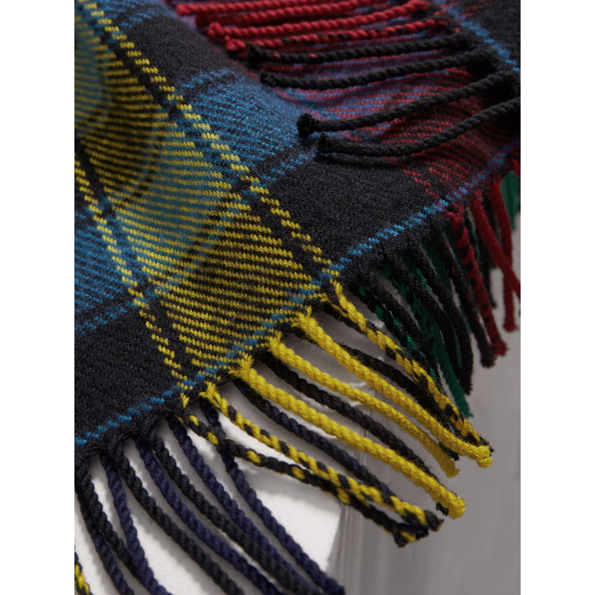 Colour-block Check Wool Scarf in Cobalt Blue | Burberry - gallery image 2