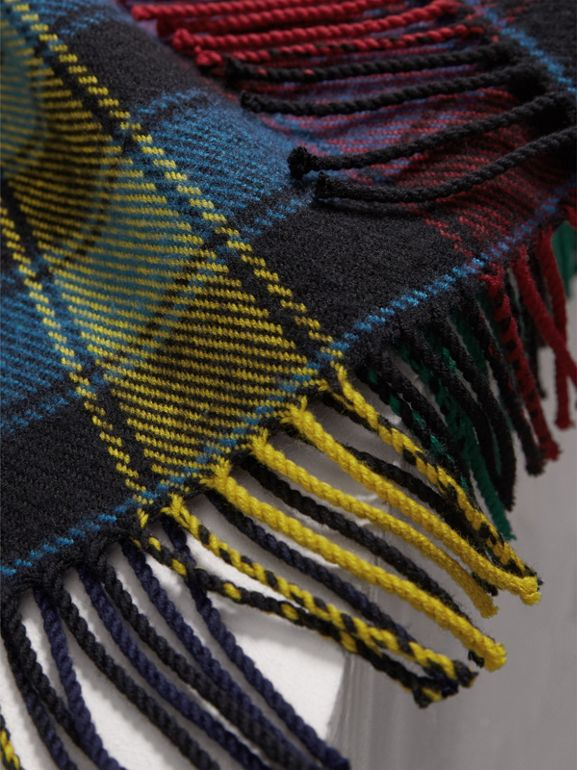 Colour-block Check Wool Scarf in Cobalt Blue | Burberry United Kingdom - cell image 1