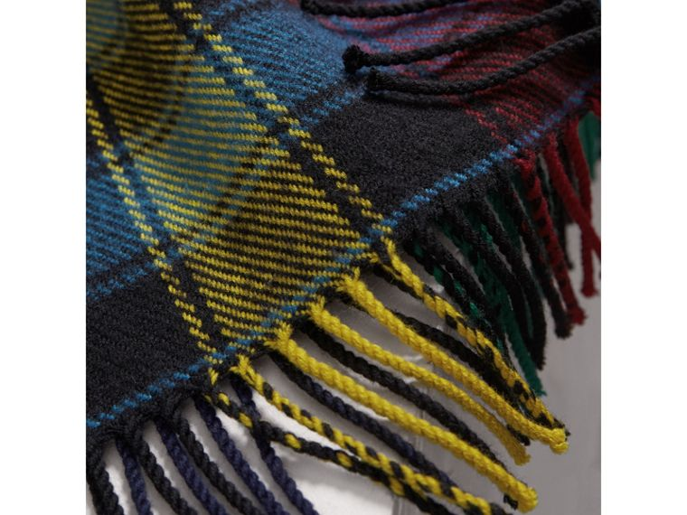 Colour-block Check Wool Scarf in Cobalt Blue | Burberry - cell image 1