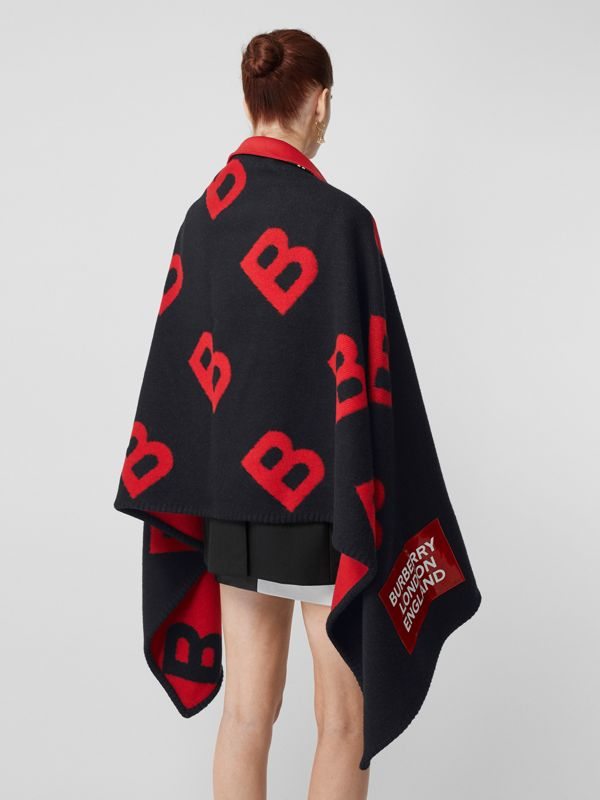 Reversible B Motif Wool Cashmere Blanket Cape in Black/bright Red | Burberry - cell image 2