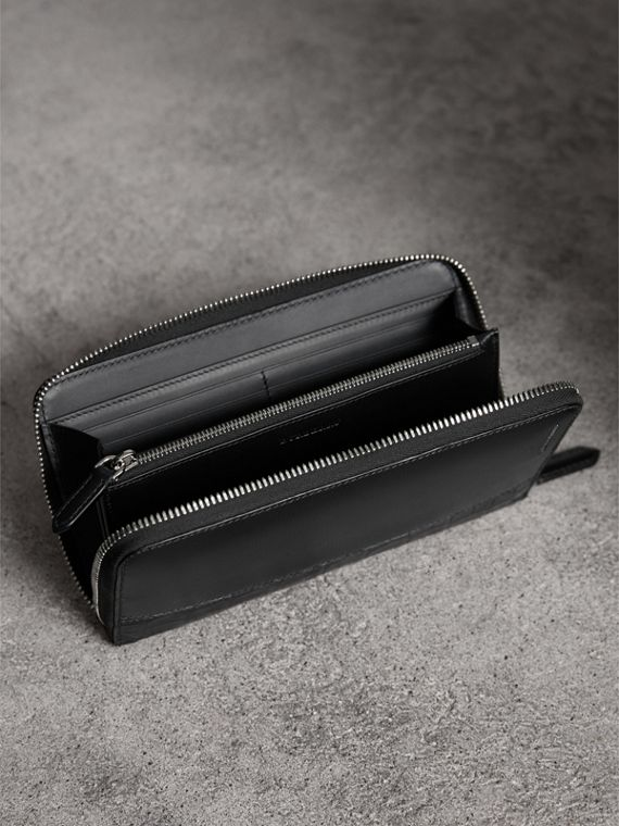 London Leather and Alligator Ziparound Wallet in Black - Men | Burberry United Kingdom - cell image 3