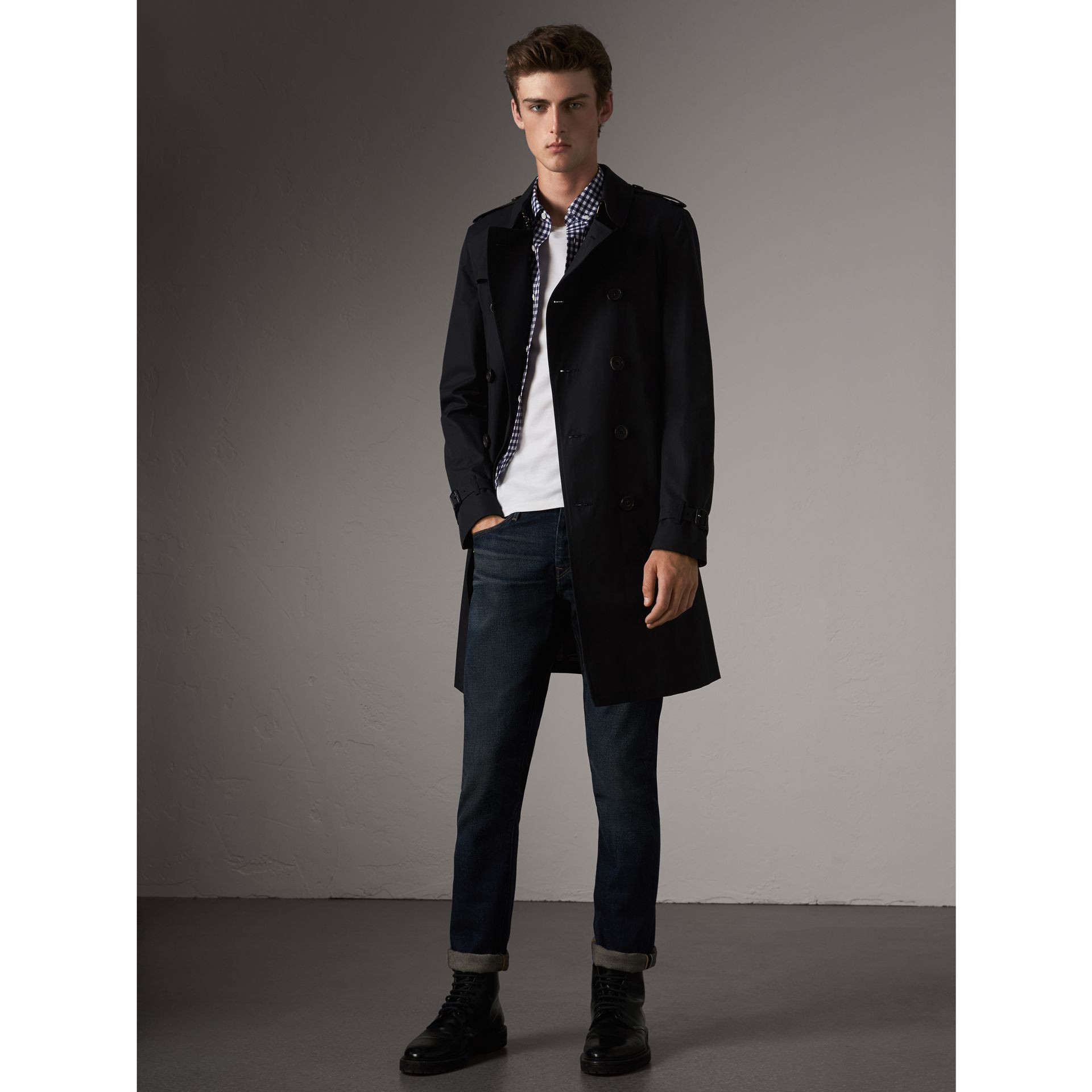 The Chelsea – Long Trench Coat in Navy - Men | Burberry Singapore - gallery image 1
