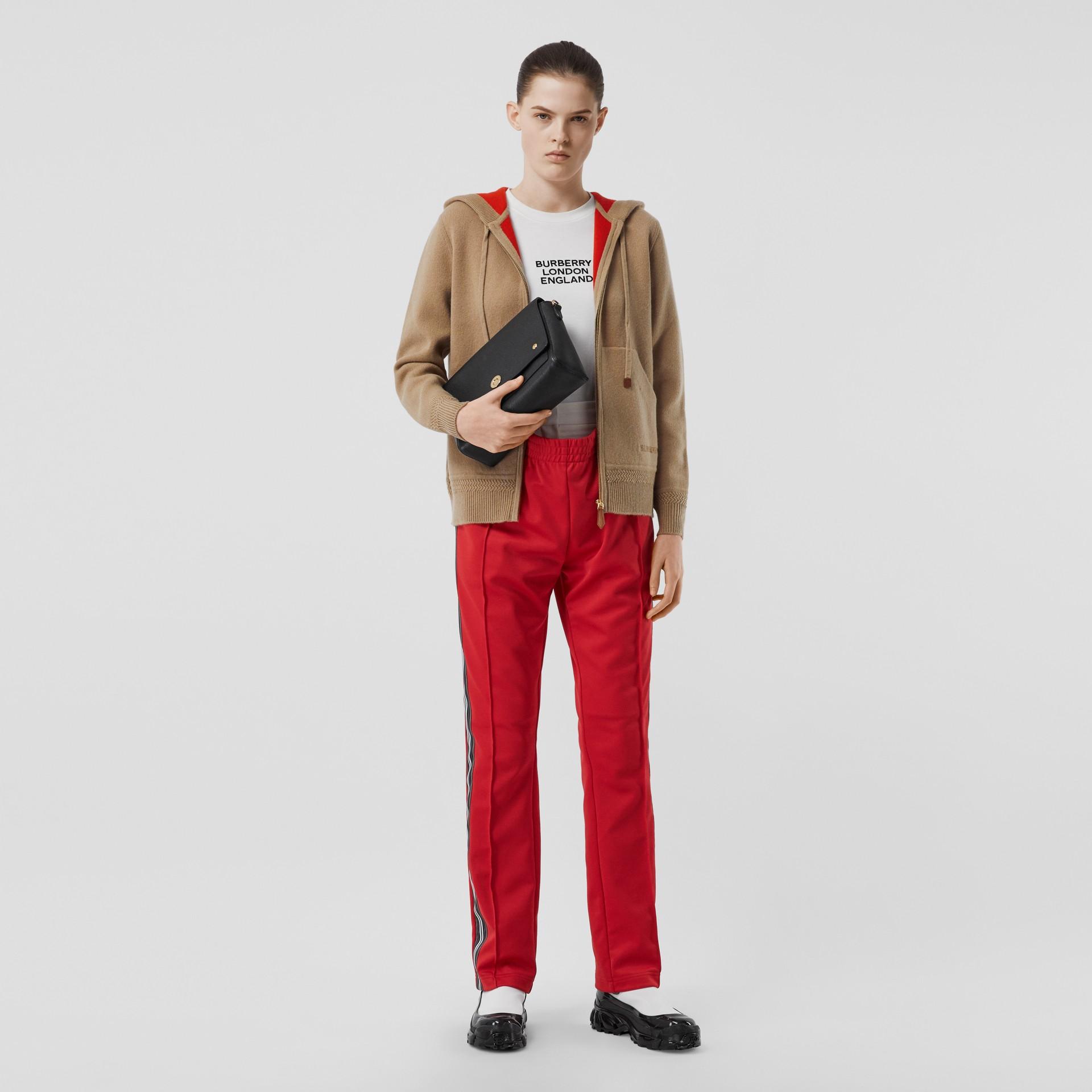 繡標喀什米爾連帽上衣 (典藏米色) - 女款 | Burberry - 圖庫照片 0