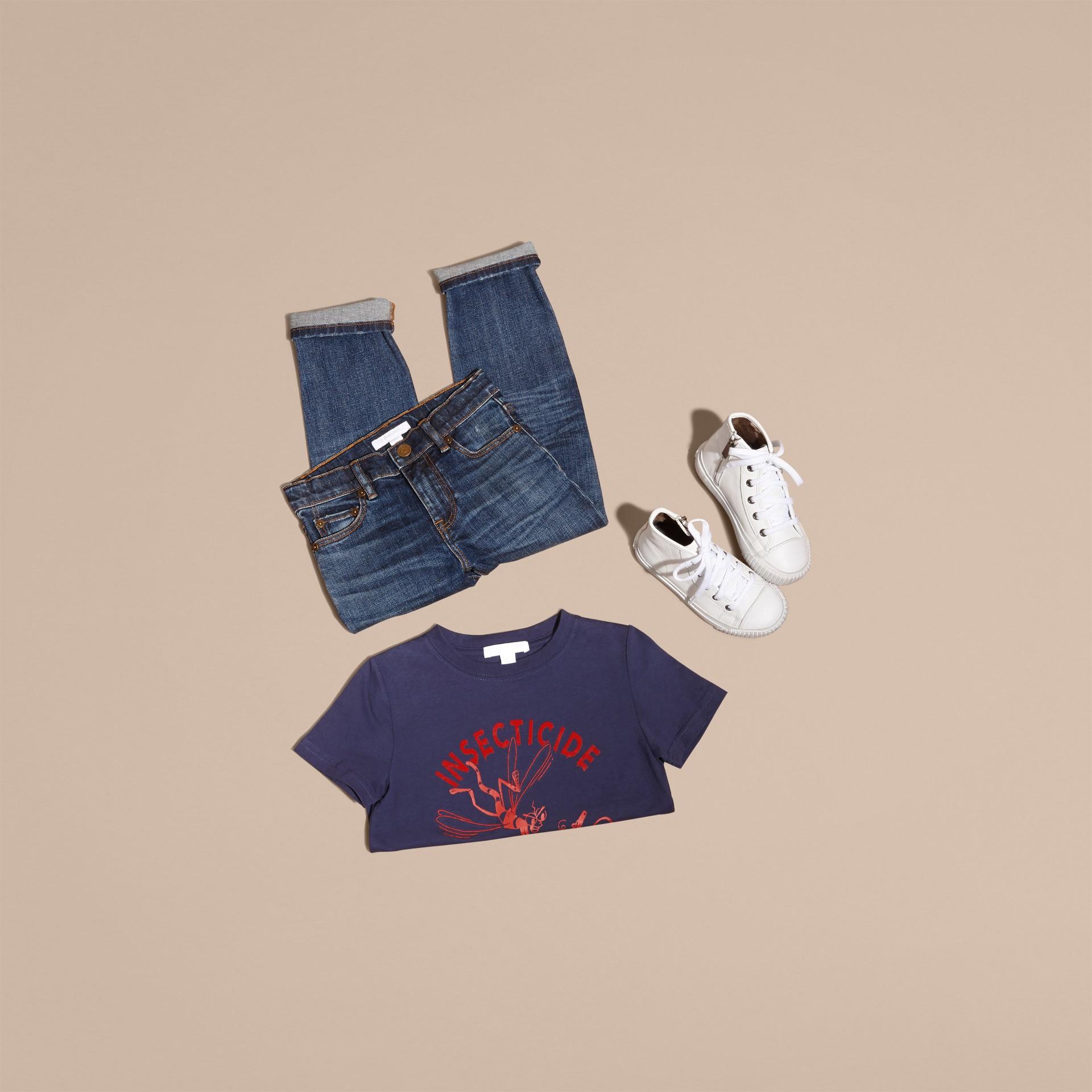 Indigo Baumwoll-T-Shirt mit verspieltem Druckmotiv - Galerie-Bild 5