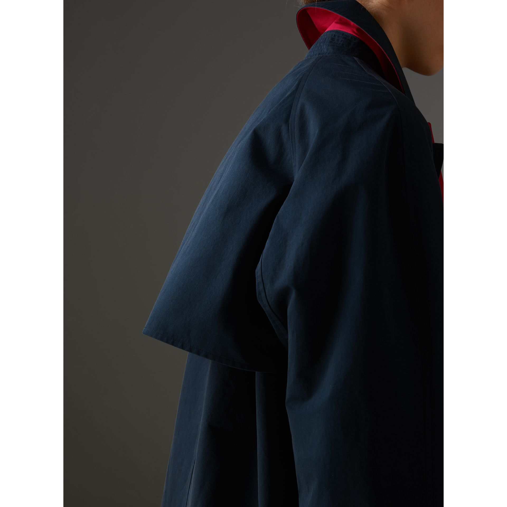 Reissued Waxed Cotton Gabardine Car Coat in Navy - Women | Burberry United States - gallery image 5