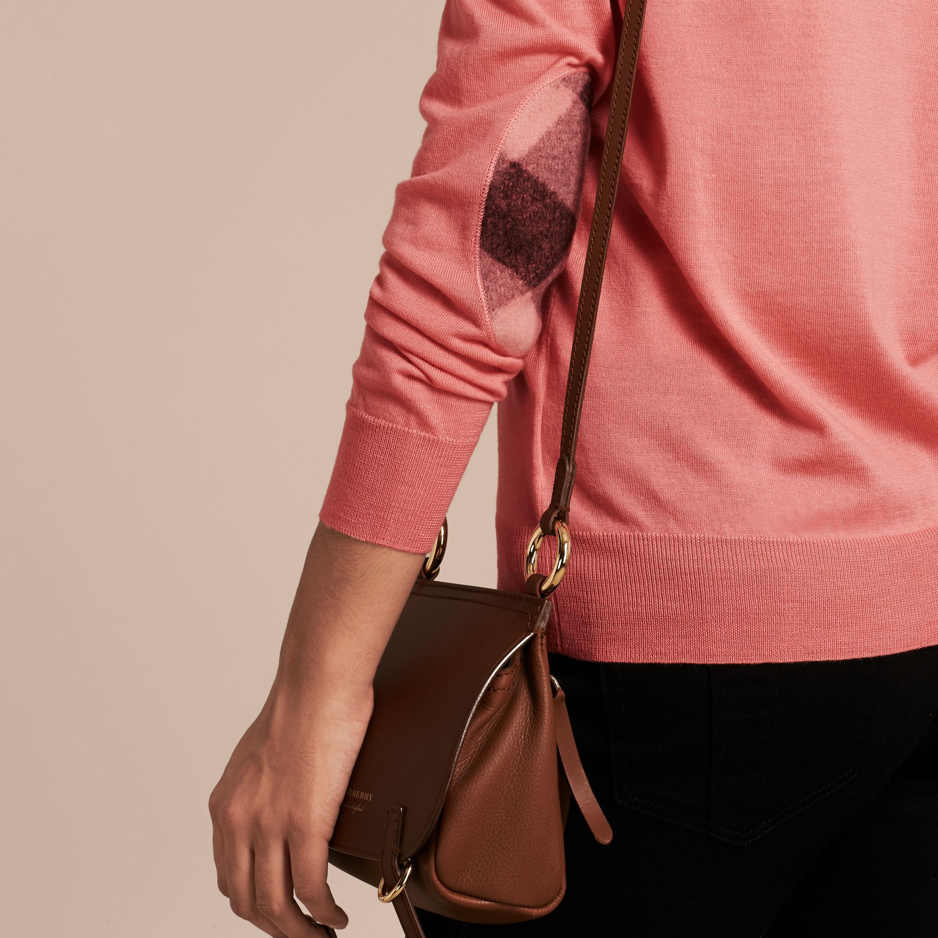 Check Detail Merino Wool Crew Neck Sweater Pale Rose Pink - gallery image 5