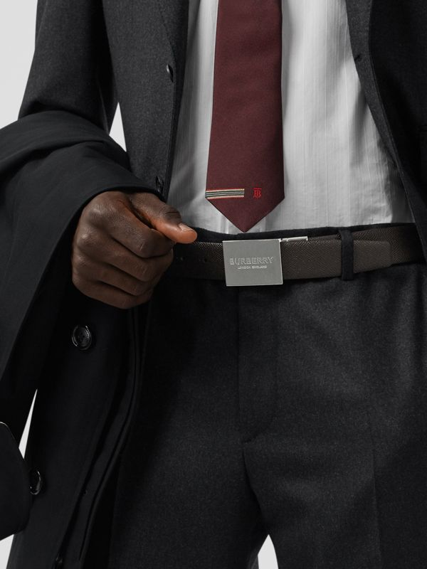 Reversible Plaque Buckle Grainy Leather Belt in Chocolate/black - Men | Burberry - cell image 2