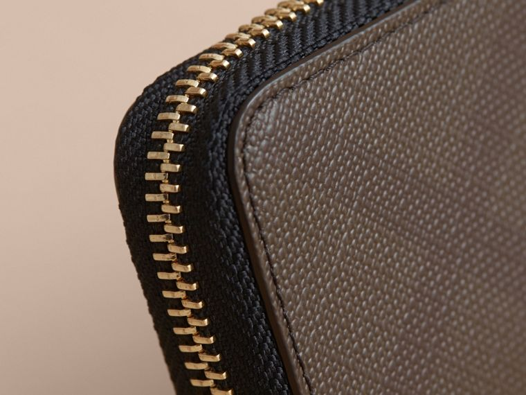 London Check Ziparound Coin Case in Chocolate/black - Men | Burberry - cell image 1