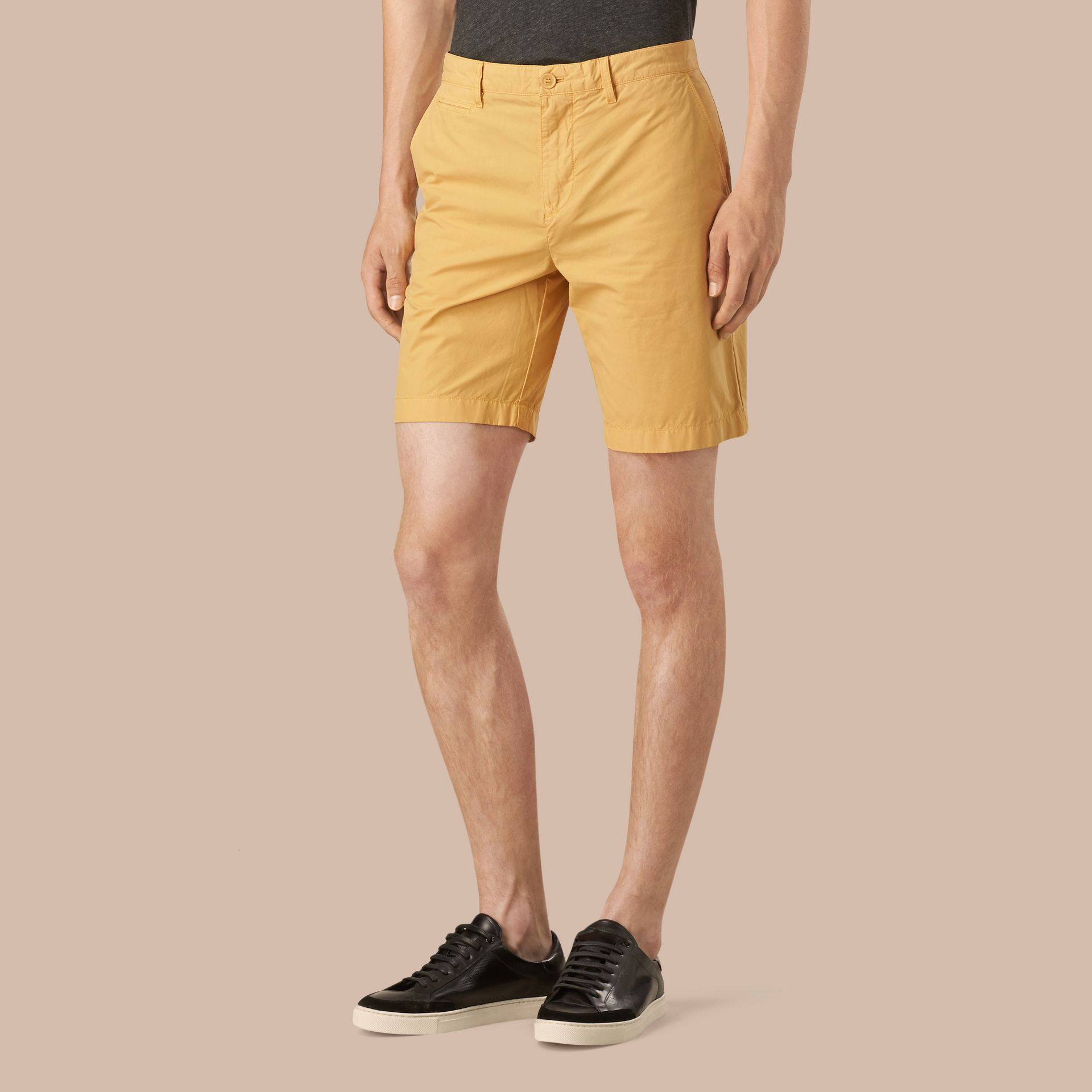 Giallo fiordaliso Pantaloncini chino in popeline di cotone Giallo Fiordaliso - immagine della galleria 1