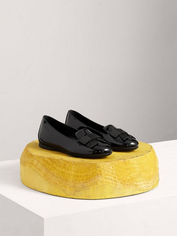 Bow Detail Patent Leather Ballerinas in Black