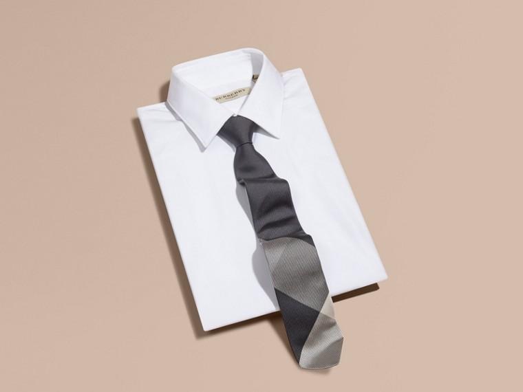 Grigio medio Cravatta dal taglio moderno in seta jacquard con motivo check Grigio Medio - cell image 2