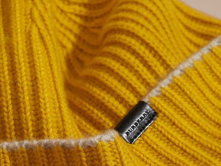 Ribbed Cashmere Beanie with Border Detail in Citrus Yellow/pale Grey - cell image 2