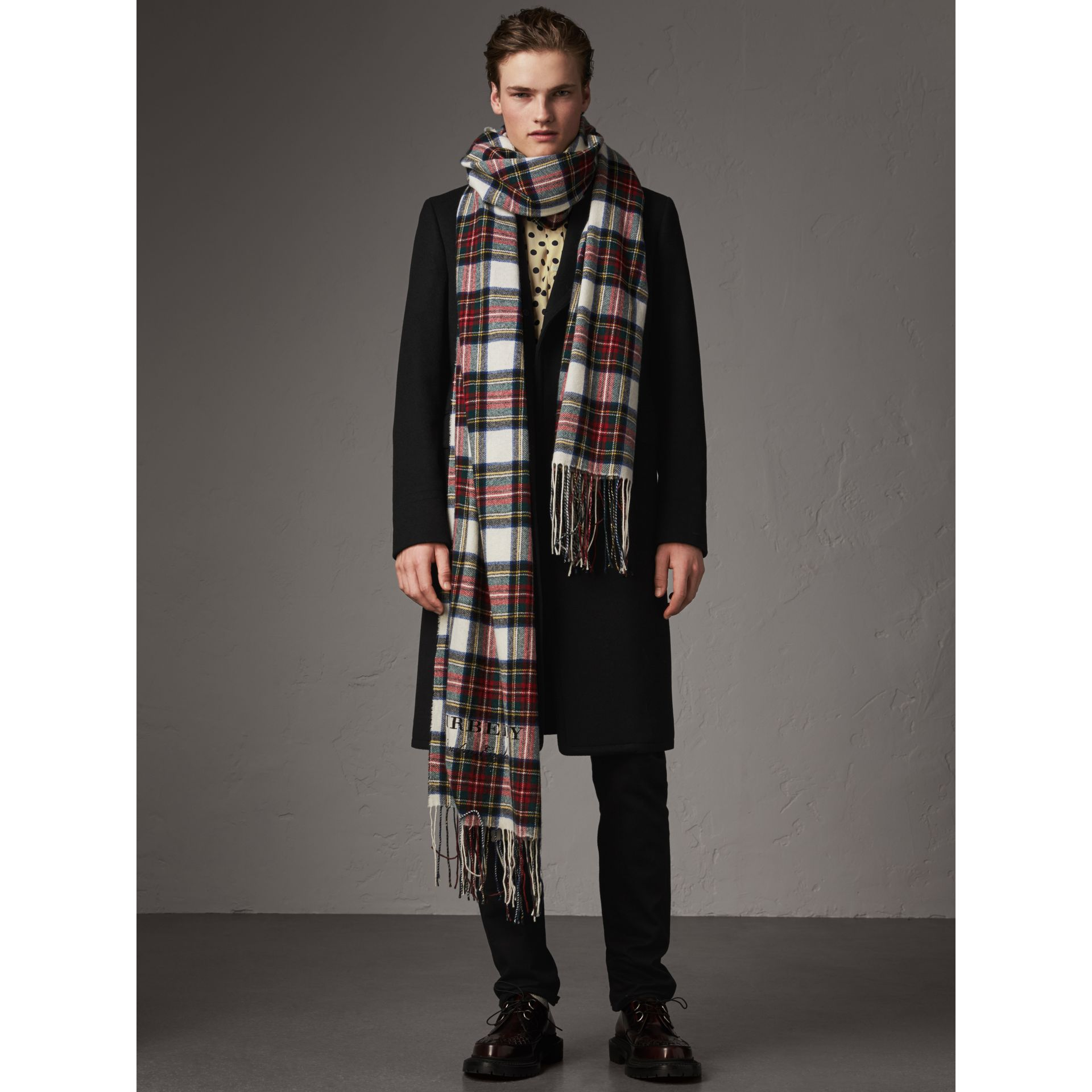 Velvet Collar Wool Cashmere Blend Riding Coat in Black - Men | Burberry United Kingdom - gallery image 6